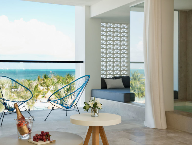 Luxury Ocean View Junior Suite in Cancun