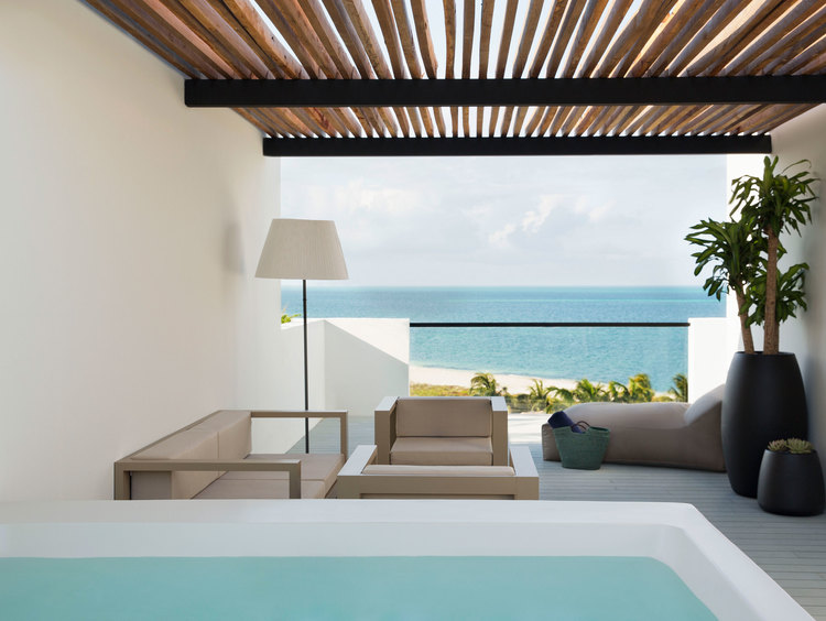 Romantic Suites with Private Pools in Cancun