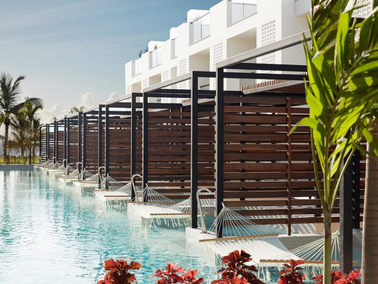 Swim-Up Suites en Cancún en un Resort Todo Incluido