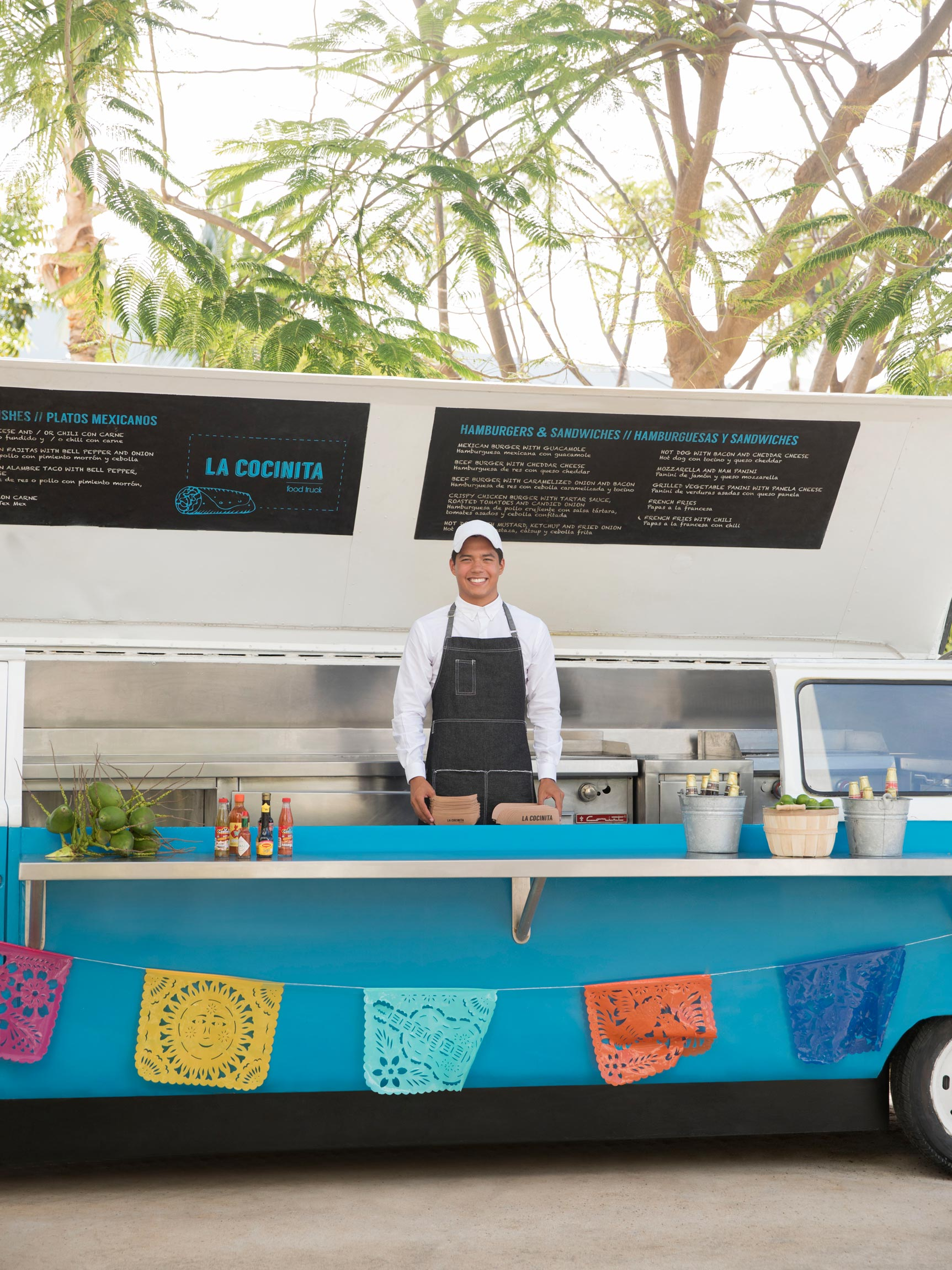 Cancun Resort Food Truck La Cocinita